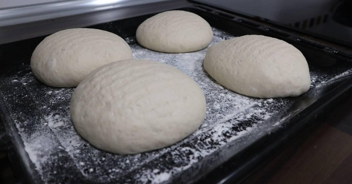 Masa De Pizza Italiana Fina Y Crujiente Receta De Recetasporuntubo Cookpad