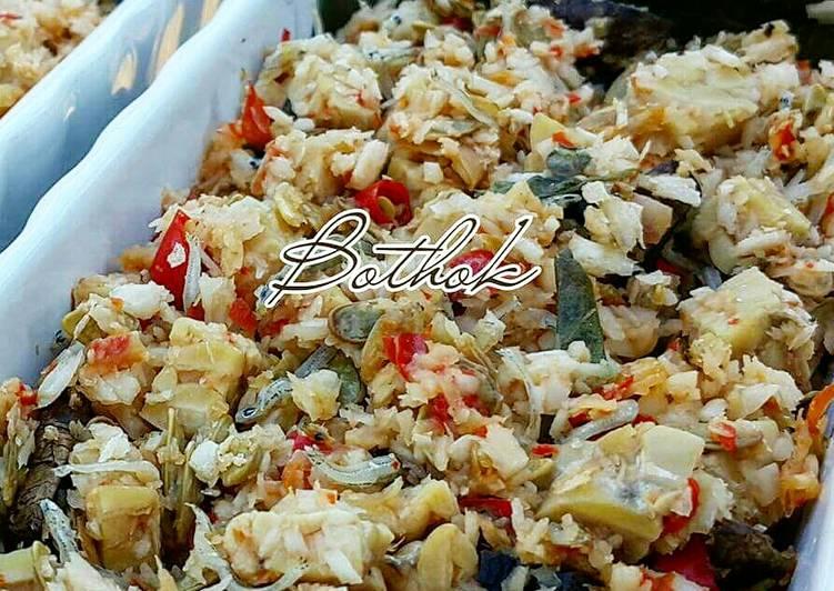How to Prepare Appetizing Bothok Tempe (Spiced Tempe)