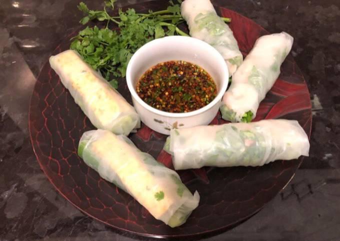 Vietnamese Rice Paper Rolls (Fresh Spring Rolls)
