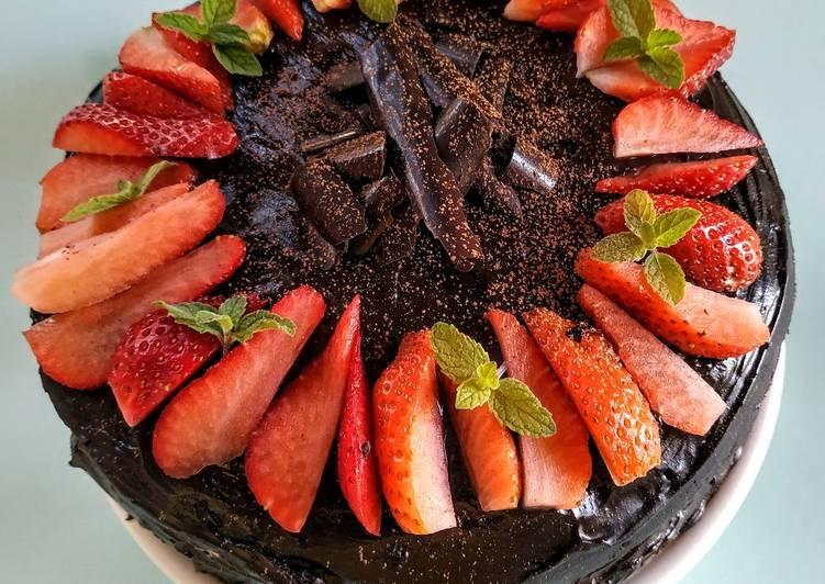 10 Minute Easiest Way to Prepare Fall Eggless Layered chocolate strawberry orange cake