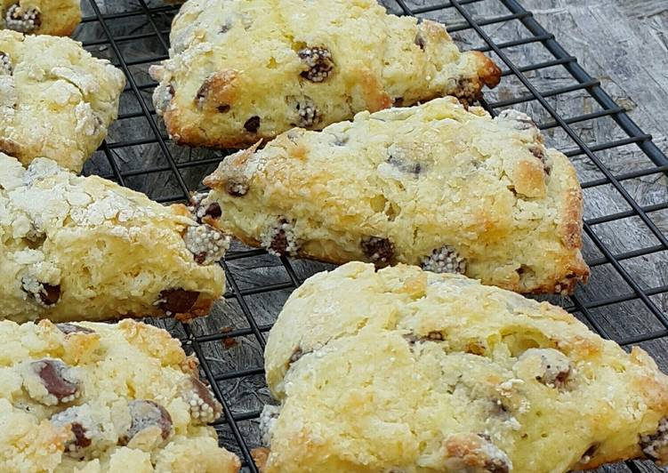 Yogurt Chocolate Chip Scones