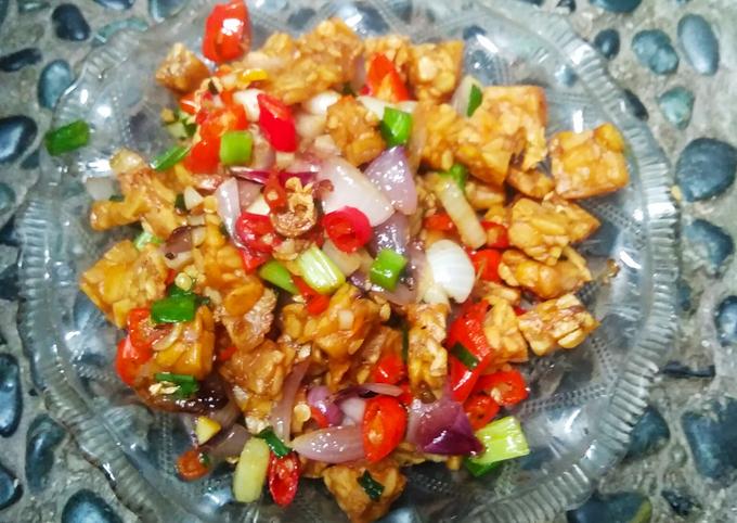 sambal bawang utuh versi tempe goreng - resepenakbgt.com