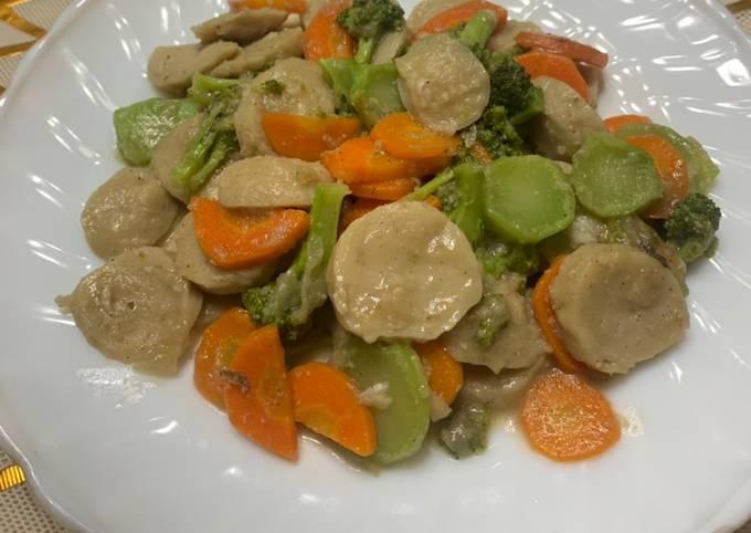 Capcay sayur brokoli wortel bakso