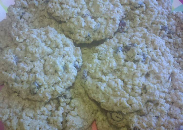 Major's chewy oatmeal cookies