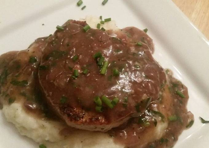 Burger & Gravy w/ Taters