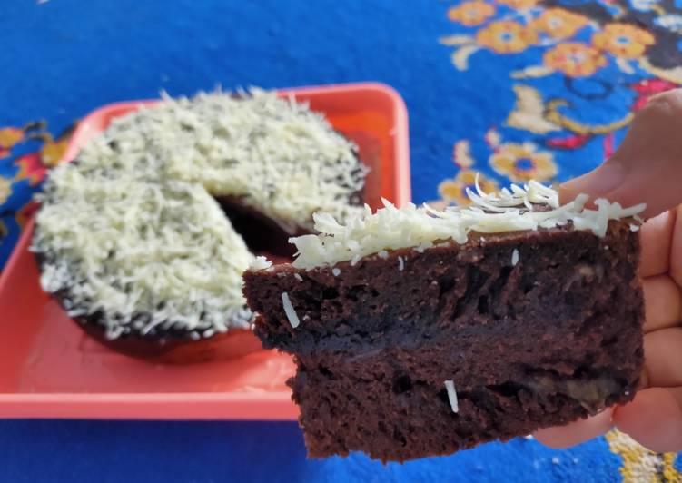 24. Brownies Amanda Pisang Coklat