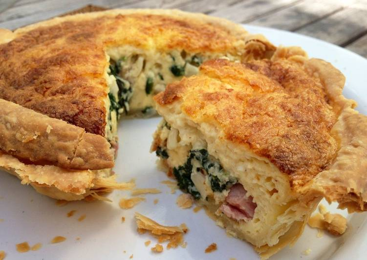 Simple Way to Make Super Quick Homemade Quiche Lorraine with Spinach and Bacon (small version)