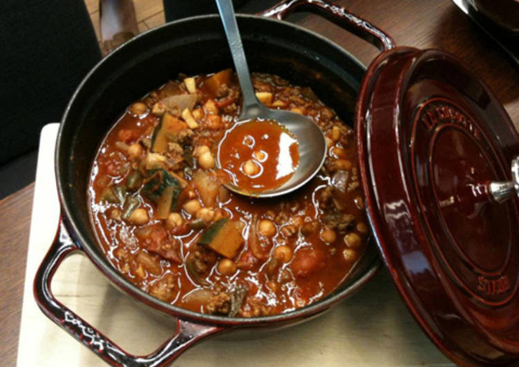 Homemade Chili with Kidney Beans & Beef