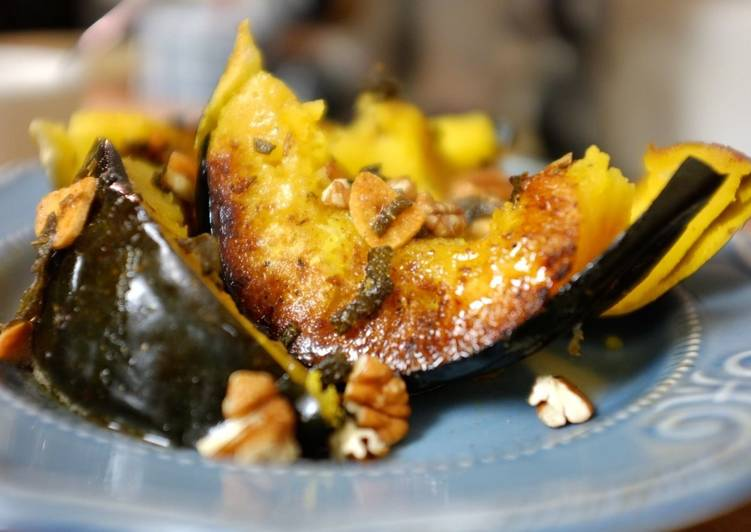 Easiest Way to Prepare Super Quick Homemade Cumin Rubbed Roasted Acorn Squash with Sage Garlic Butter