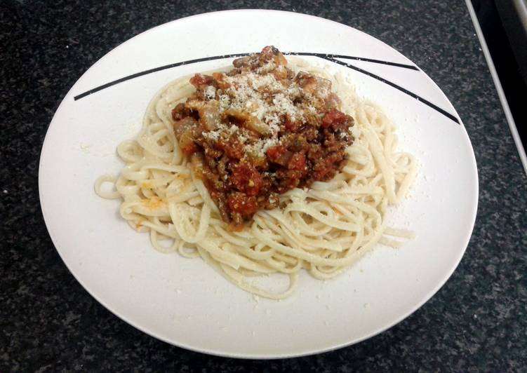 spaghetti bolognaise & garlic baguette, Help Your Heart with Food