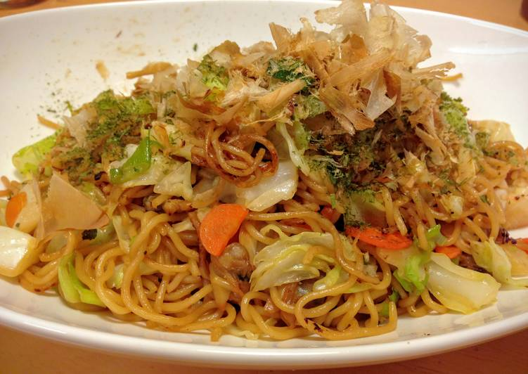 Hearty Comfort Dinner Easy Refreshing Yakisoba (Fried Noodles)