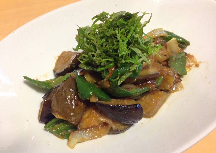 How to Prepare Appetizing Miso stir-fry with eggplant & Green bell pepper