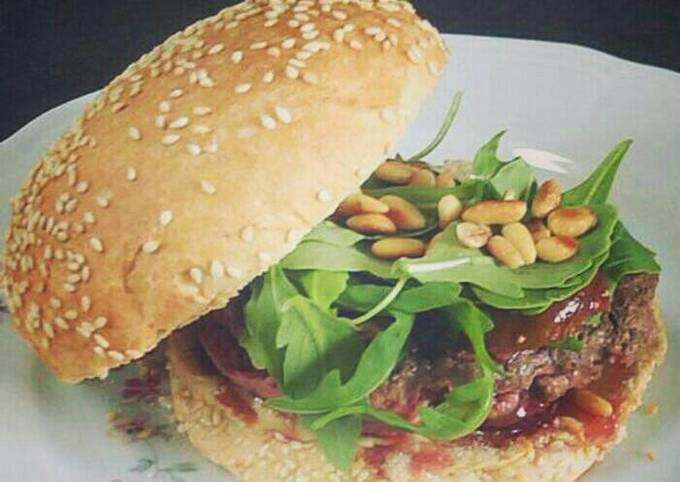 Feta cheese Burger with Roasted figs