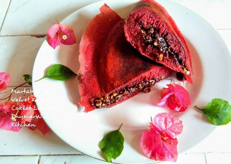 Martabak Red Velvet Kacang Coklat Lumer