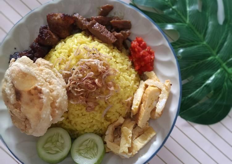 Nasi kuning simple