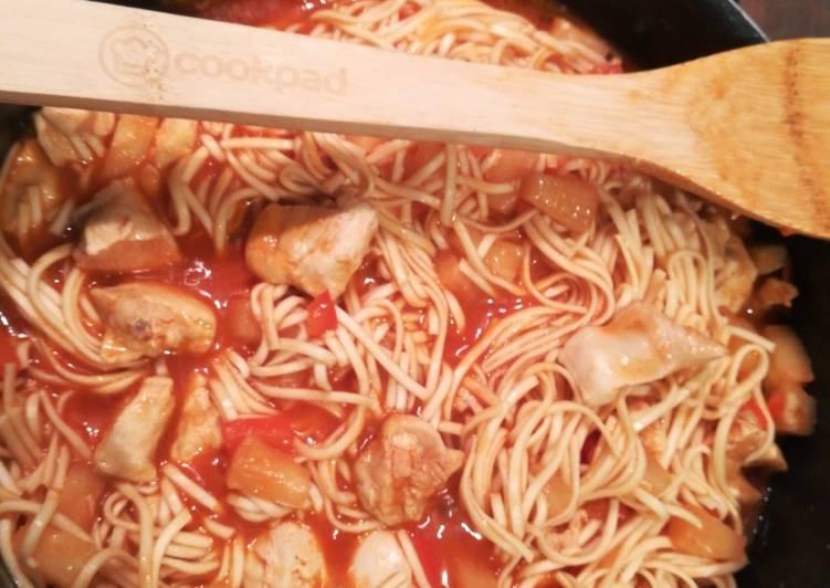 Comment Cuisiner Sauté de nouilles et poulet à l'ananas