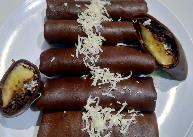 Resep Dadar gulung coklat pisang meses Anti Gagal