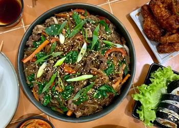 Easiest Way to Make Yummy Japchae Stirfried Korean glass noodles