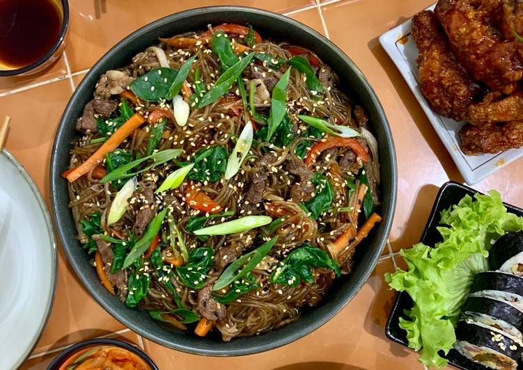 Recipe of Perfect Japchae (Stir-fried Korean glass noodles)