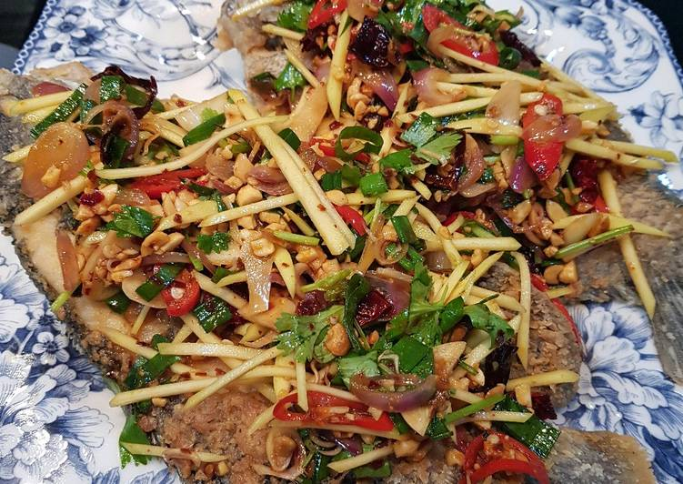 Ikan Goreng Salad Mangga