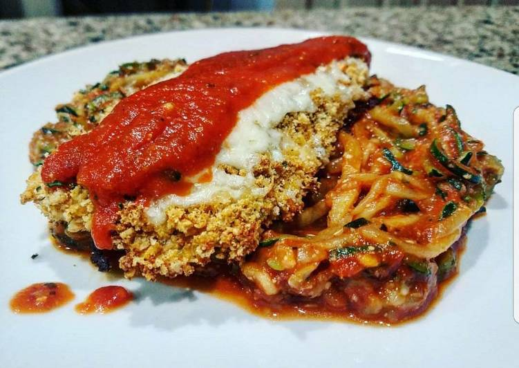 Healthy Recipe: Perfect Chicken Parmesan with Zucchini Spaghetti (Low-Carb)