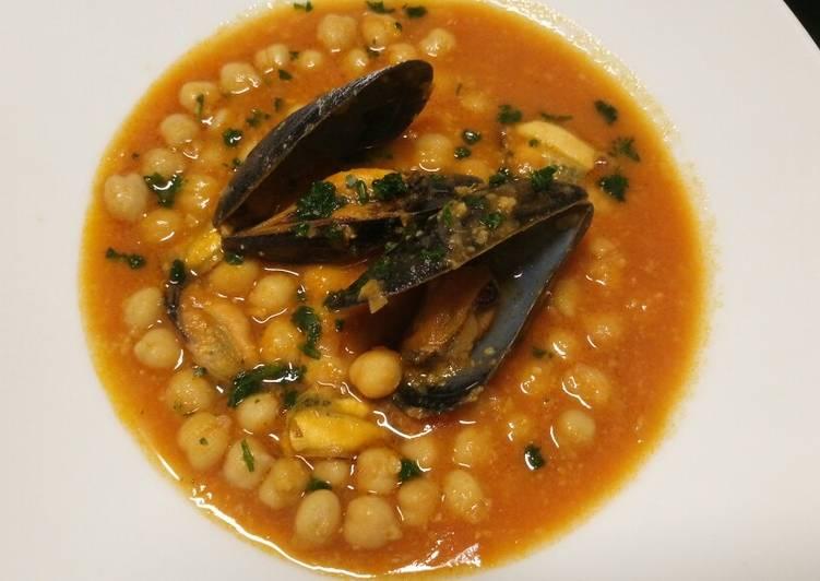 Zuppa di Cozze e ceci mussel and chickpea soup