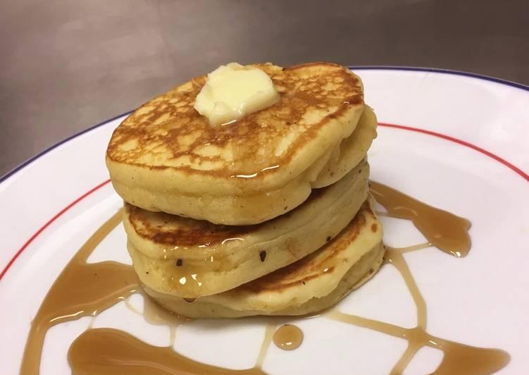 Simple Way to Make Homemade Buttermilk Pancakes