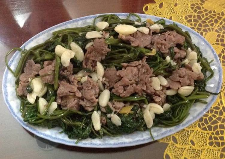 Easiest Way to Make Tasty Stir-fried Buffalo Meat with Water Spinach