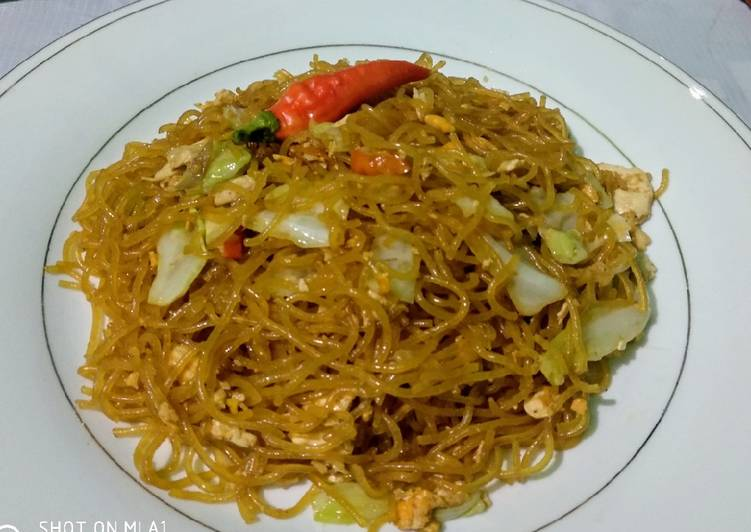 Bihun goreng pedas yummy 😋