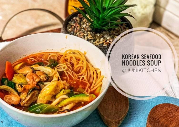 Korean Seafood Noodles Soup