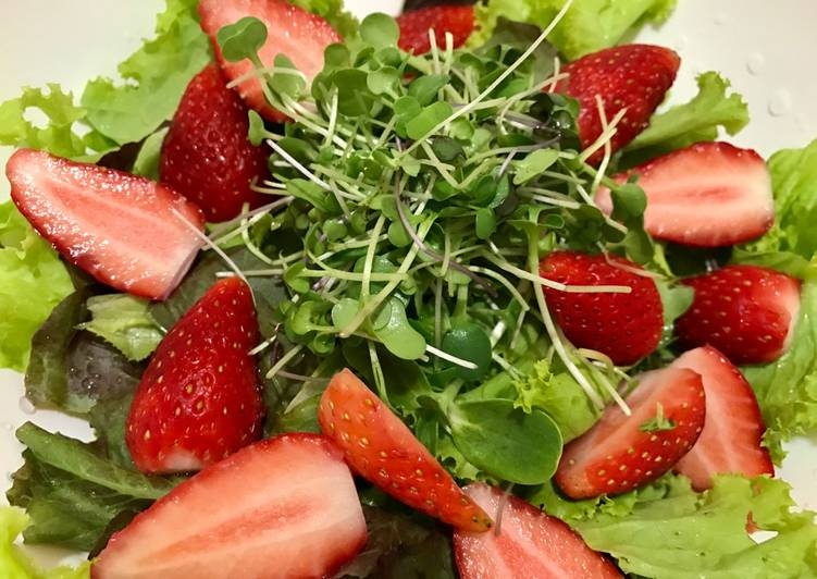 Simple Way to Make Any-night-of-the-week Micro green strawberry salad