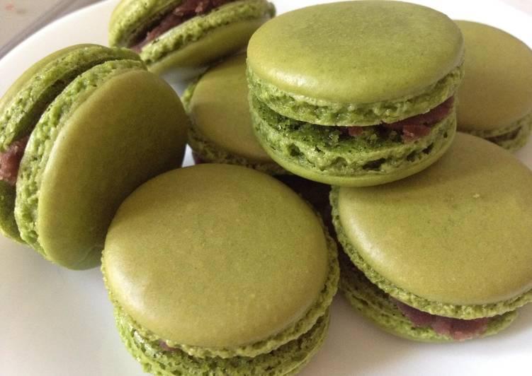 Matcha (Green Tea) Macaron