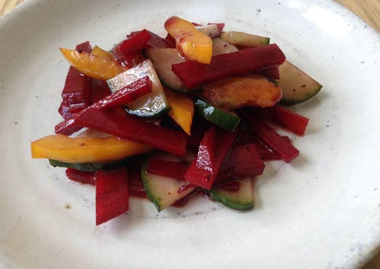 Façon la plus simple Cuisiner Parfait Salade de betterave crue, poivron jaune et concombre