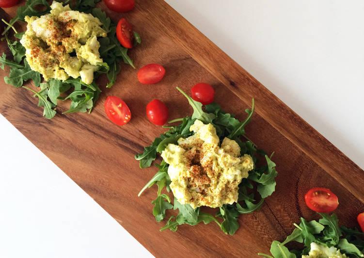Healthy Avocado Egg Salad (No Mayo)
