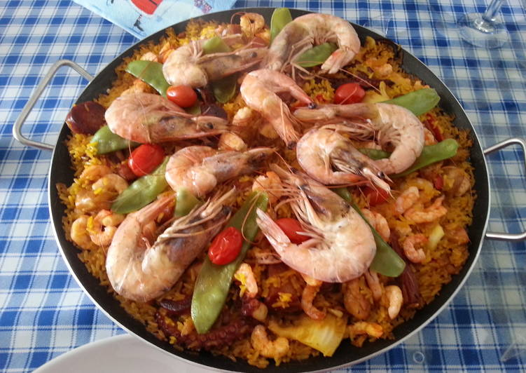 Easiest Way to Prepare Speedy Paella Valenciana