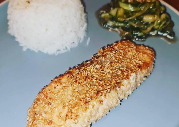 Sesam-Lachs mit asiatischem Gurkensalat 🐟🥒