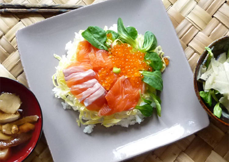 Chirashi zushi (sushi à multi-garniture)