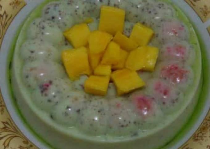 Puding melon Oreo garnish mangga