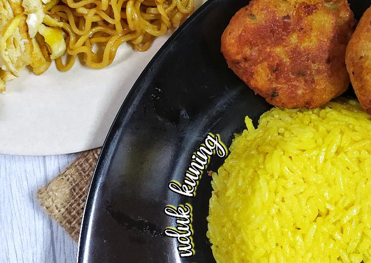 Nasi kuning magicom