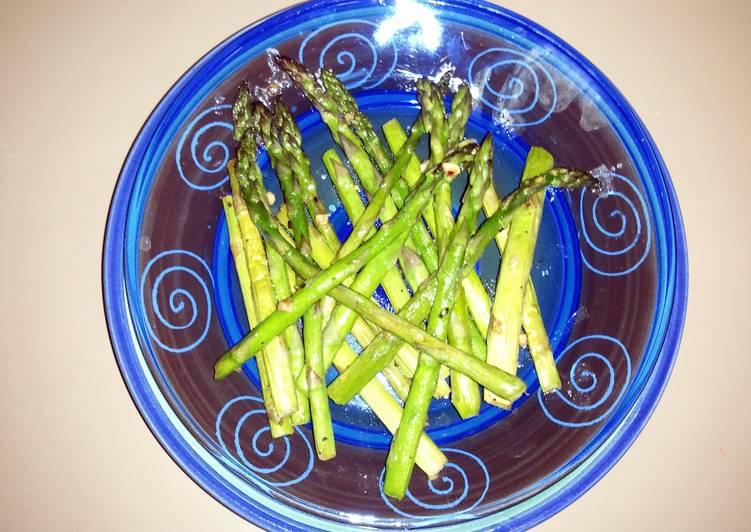 Recipe: Yummy Simple fresh cooked Asparagus