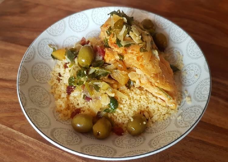 Tajine de poulet aux olives, citron confit et fruits secs
