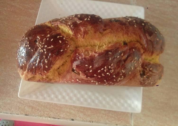Fruit brioche bread