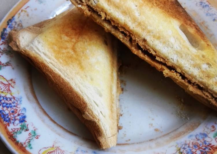 How to Make Ultimate Peanut Butter Toasted Sandwich #authormarathon