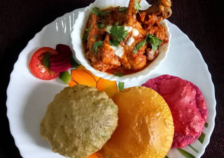 Recipe of Most Popular Dry red chilli tomato chicken curry with spinach, beetroot and mango poori