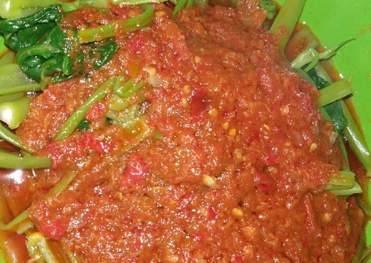 Cah Kangkung saus pedas pisah