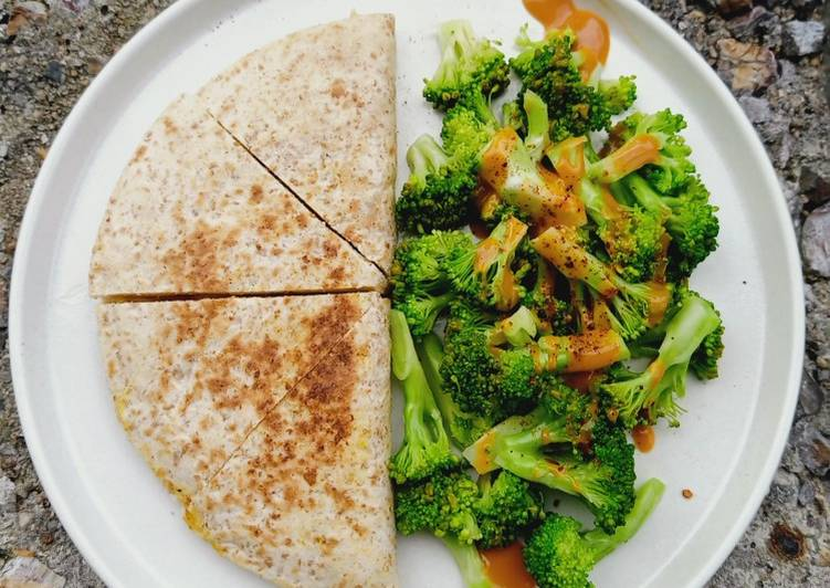 Egg quesadilla (eat clean)