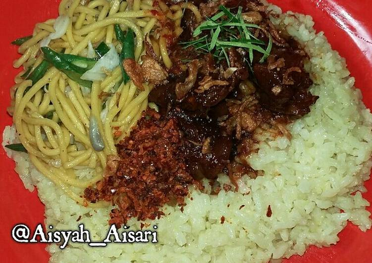 Nasi Kuning Masak Habang khas Banjarmasin