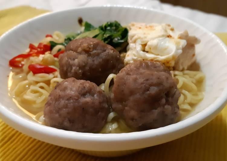 Bakso Sapi (Meatballs)