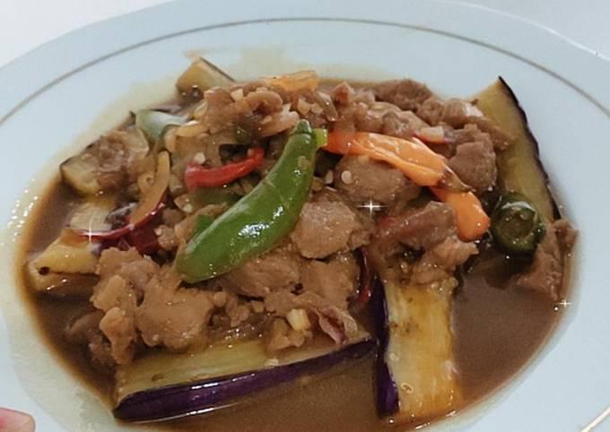 Tumis terong siram daging sapi lada hitam - projectfootsteps.org