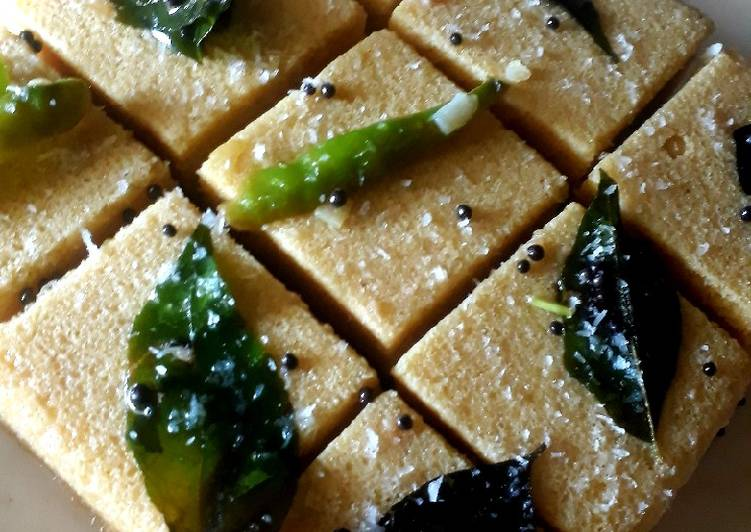 10 Minute Easiest Way to Prepare Winter Instant Dhokla